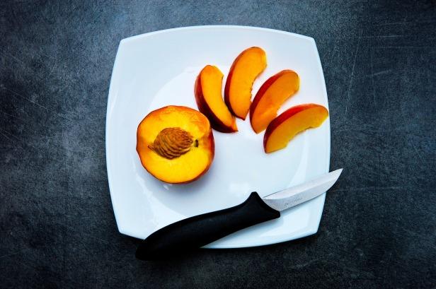 peach-932777_1920